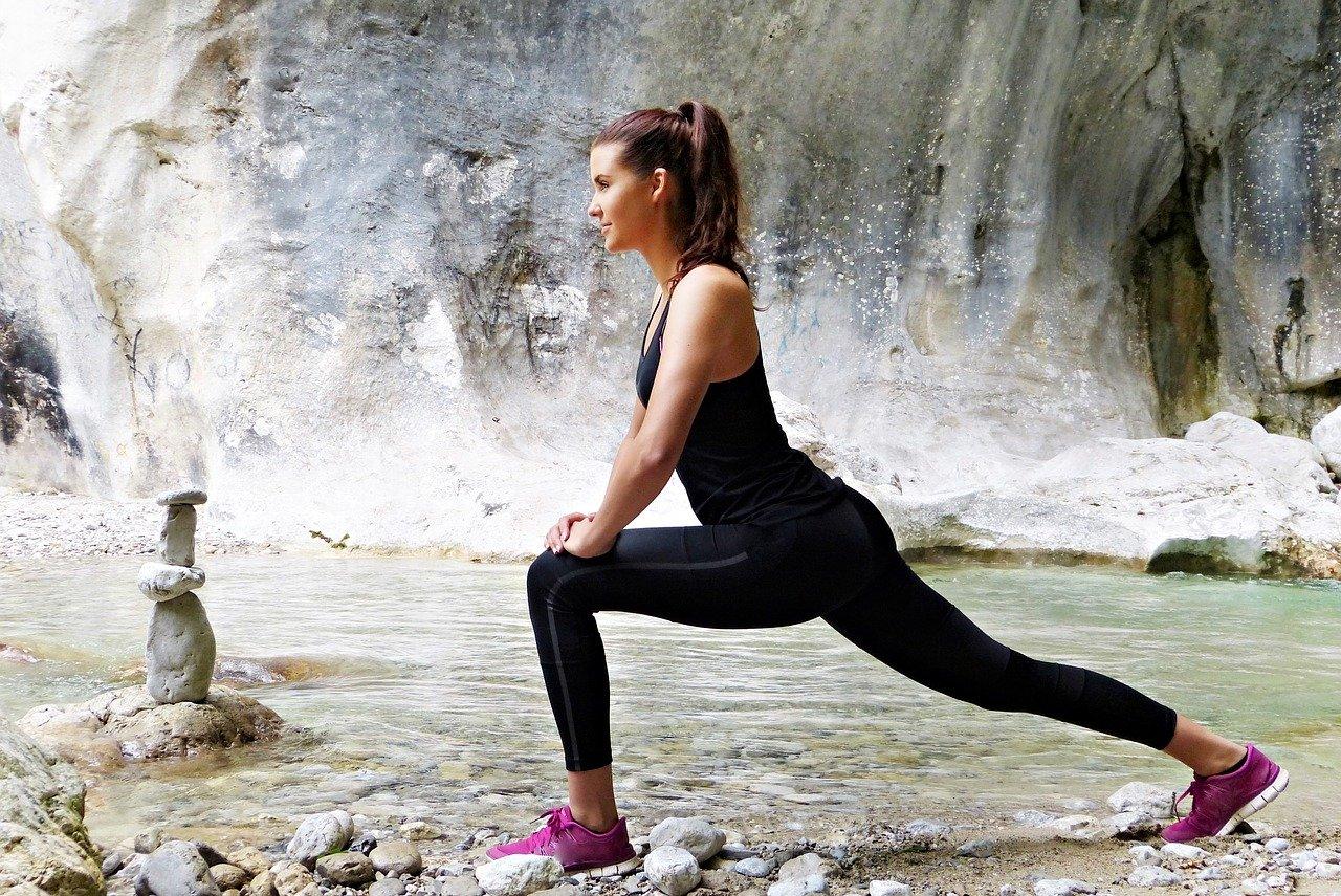 女性が室内で痩せられるダンベルトレーニング