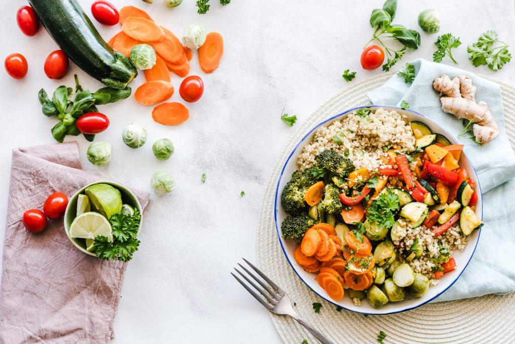 過度な食事制限は逆効果【糖質制限ダイエット】の危険性やデメリットを紹介!