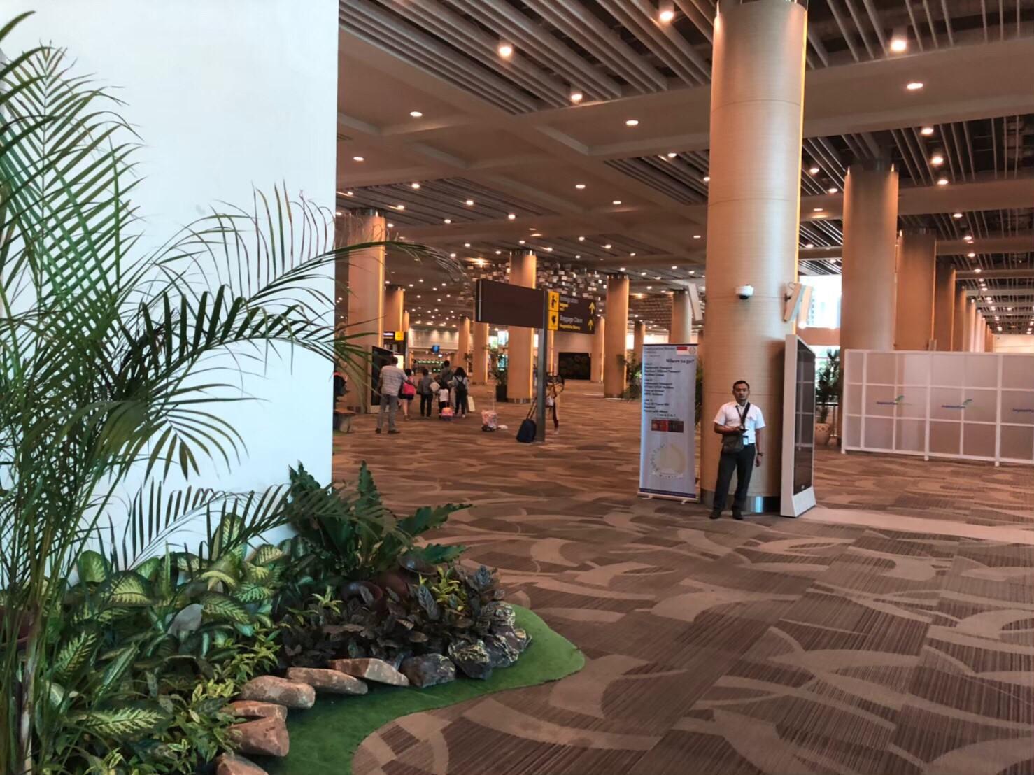 バリ島旅行記 ングラ・ライ国際空港