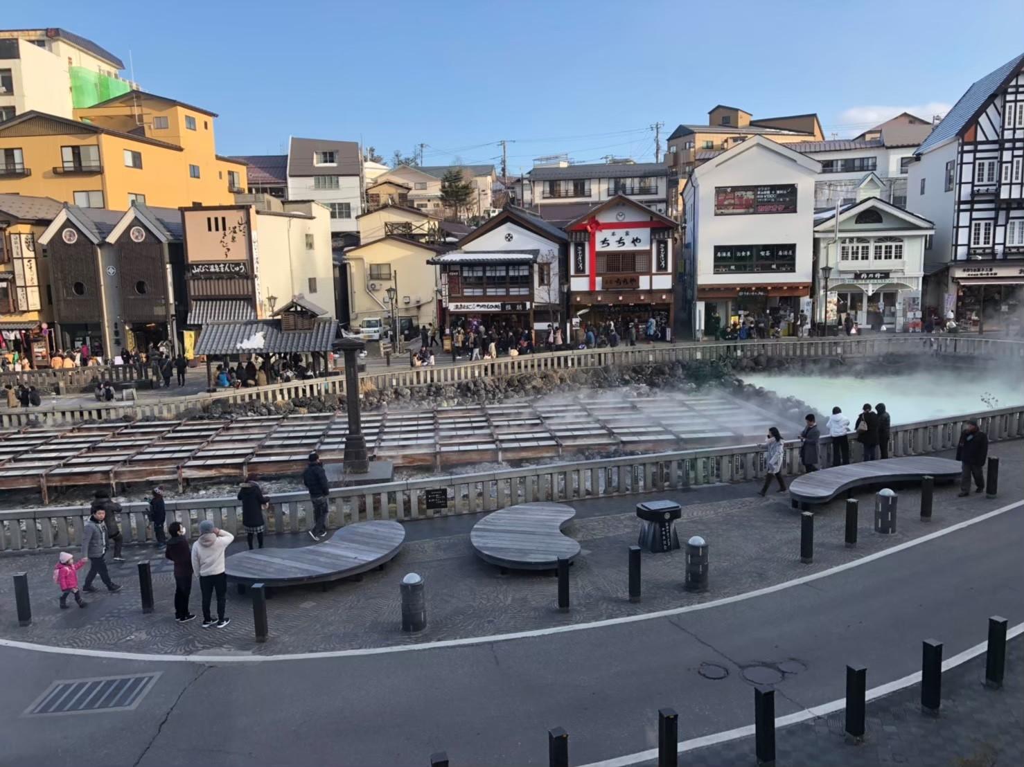 草津温泉・湯畑旅行記 朝の湯畑
