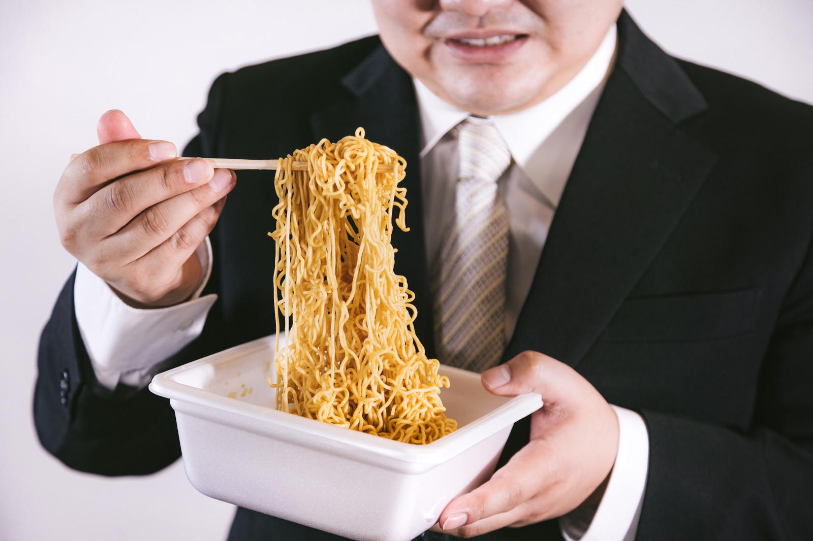 ペヤングって美味しいけど太りやすい?超大盛りのカロリーなどをご紹介!