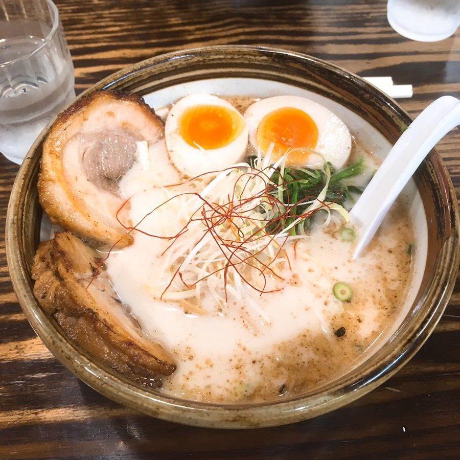 渋谷の【俺流塩らーめん】東急本店前自慢!風味独特の塩ラーメンを実食!