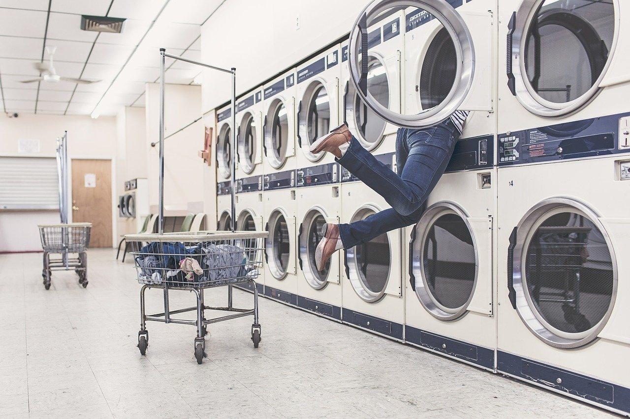 コインランドリーで靴の洗濯・乾燥についての疑問点