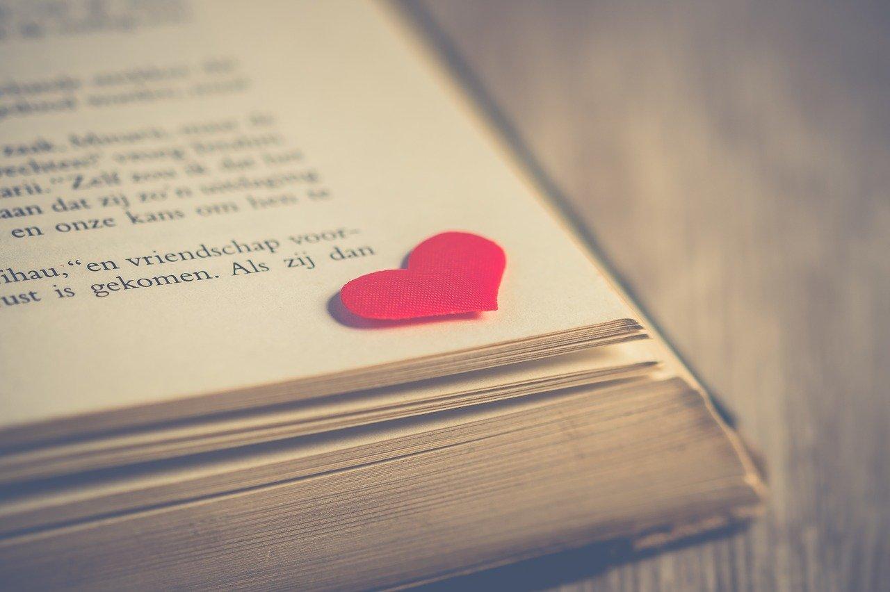 好きなバイトの先輩の脈ありLINEやデート、恋愛についてご紹介!